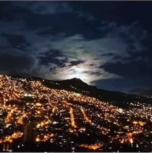 Imagenes de Medellin 2020 en cuarentena